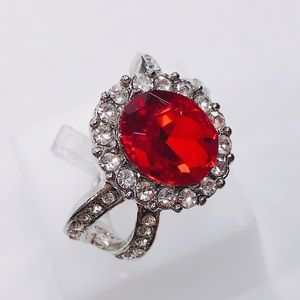 Jewelry - Gorgeous Red GemStone Ring